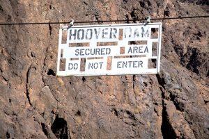 Sicherheitsbestimmungen am Hoover Dam